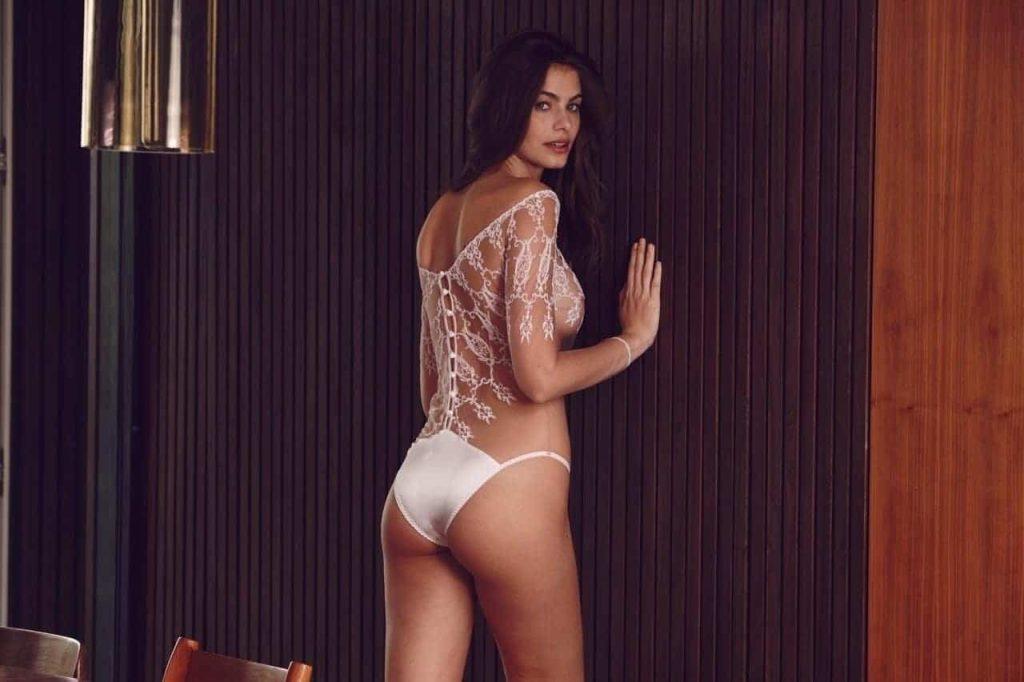 Colette Body - Scène Discrète