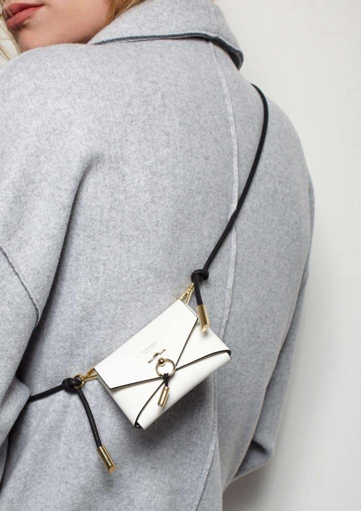 Mini ENVELOPE purse - Lookbook - Scène Discrète