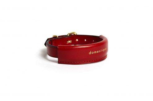 Bracelet cuir rouge - Scène Discrète
