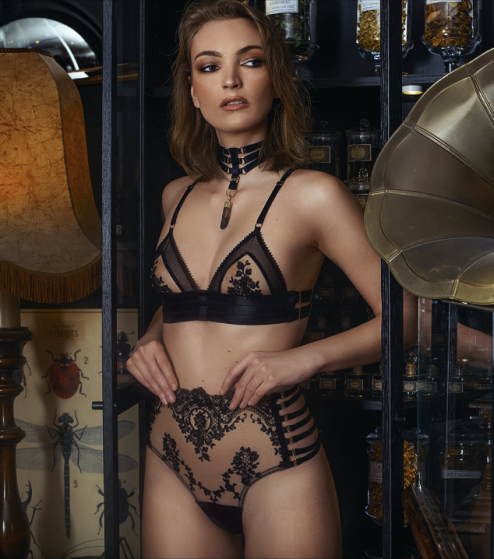 String taille haute et soutien-gorge triangle Moon Spell